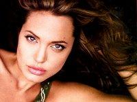 Операции Анджелины Джоли