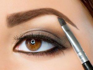 Как правильно рисовать брови карандашом